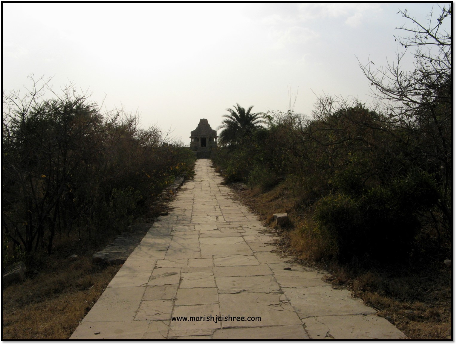 Way to ruins of an old Shiva Temple, Chittorgarh fort