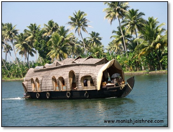 Backwater trip to the Land of Kettuvallams – Kottayam to Alleppey