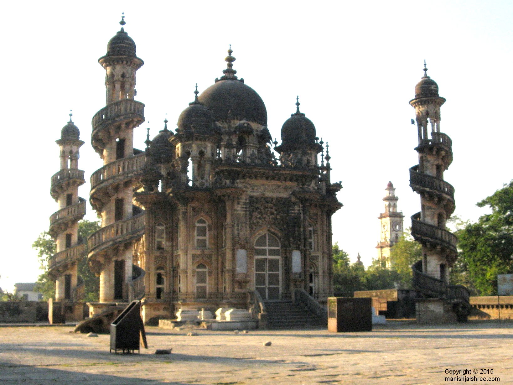 The tomb of Vazir Bahauddin Bhar, Junagarh